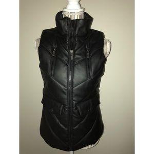 YASO Black Zip-Up Vest